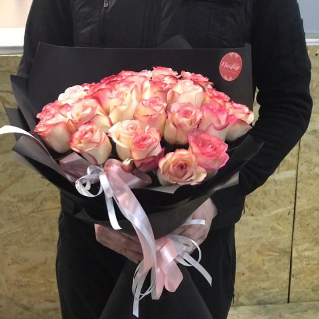 """Букет эквадорских роз сорта """"Джумилия"""""""